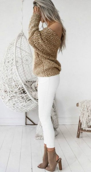Blush the pink knitted sweater with white leggings