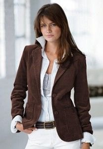 brown blazer with shirt collar and white skinny jeans