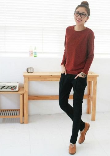 brown knitted sweater with black skinny jeans and brown dress shoes