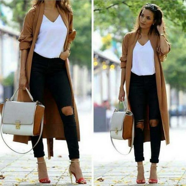 brown longline cardigan with white V-neck T-shirt and skinny jeans