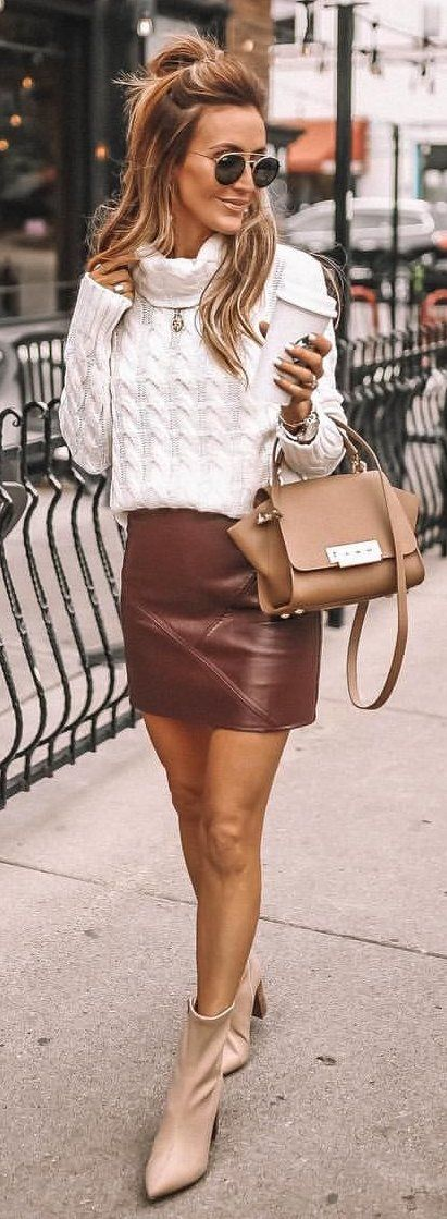 10+ Awesome Outfit Ideas To Wear This Fall | Brown leather skirt .