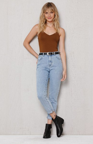 Burgundy camisole with vintage high-waisted jeans