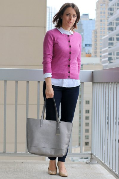 Button pink short cardigan with white collar shirt
