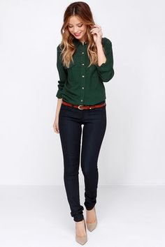Shirt with buttons and black jeans with tapered legs
