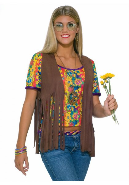 Camel hippie fringed vest with a short cut t-shirt with yellow print