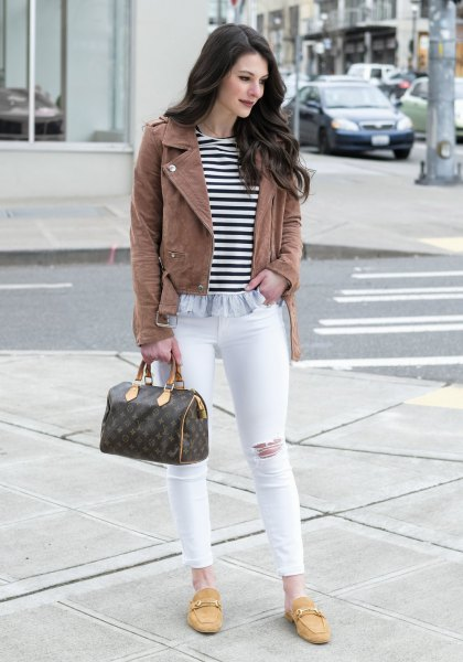 Camel leather jacket with a striped T-shirt and mustard-yellow backless slippers