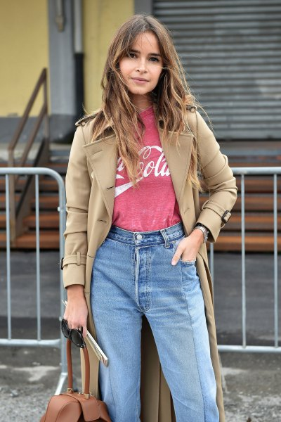 Camel longline blazer with pink printed t-shirt and mom jeans