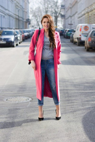 Camel longline wool coat with gray printed t-shirt