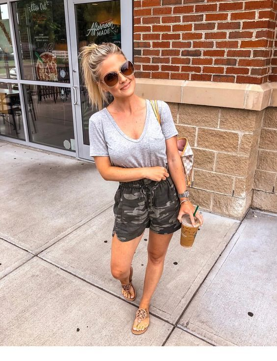 Summer outfit with camouflage shorts | Inspiring Ladies | Summer .