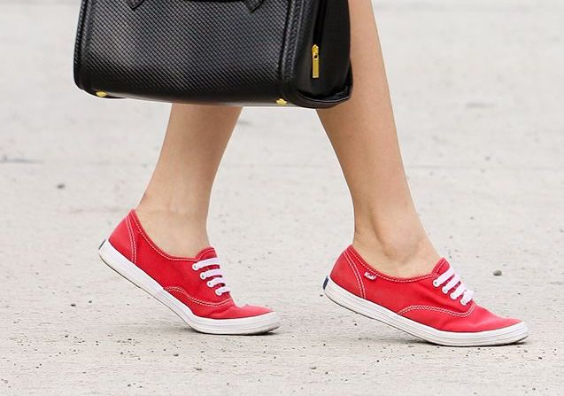 How to Wear Canvas Shoes for Women: Top Outfit Ideas | Canvas .