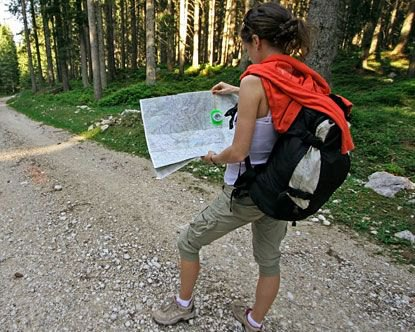 Cargo knee-length shorts for hiking