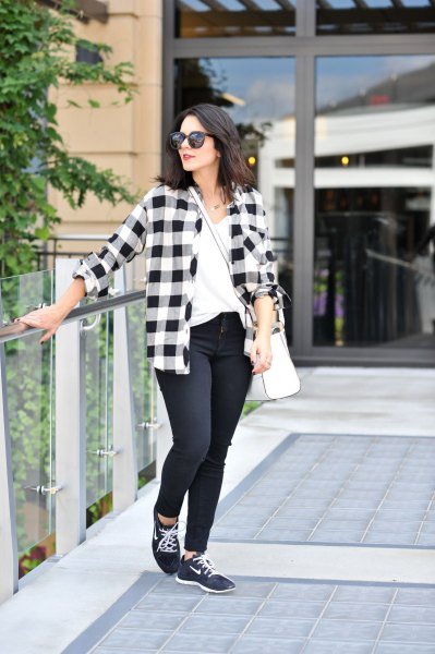 checked boyfriend shirt with skinny jeans and black hiking boots