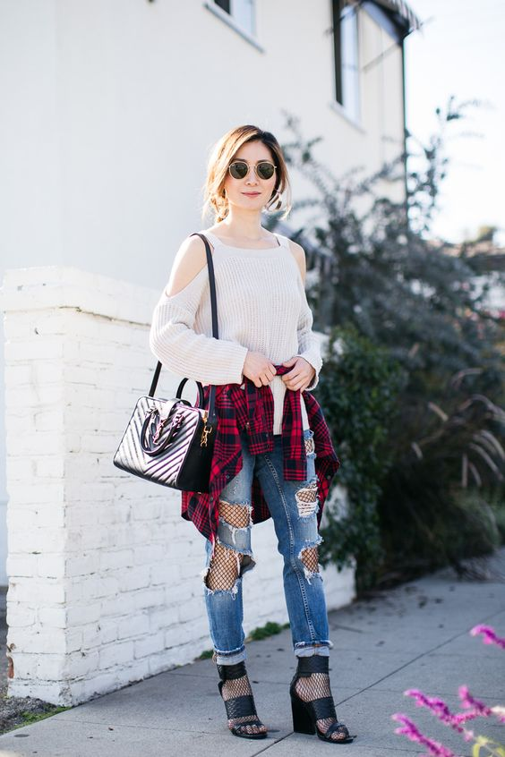 Cold shoulder sweater fish tights