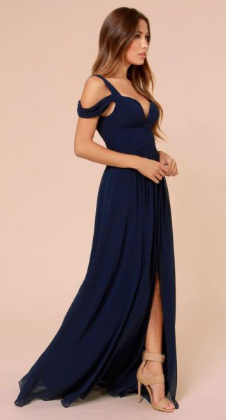Cold shoulder sweetheart navy blue open toe dress with pale pink heels