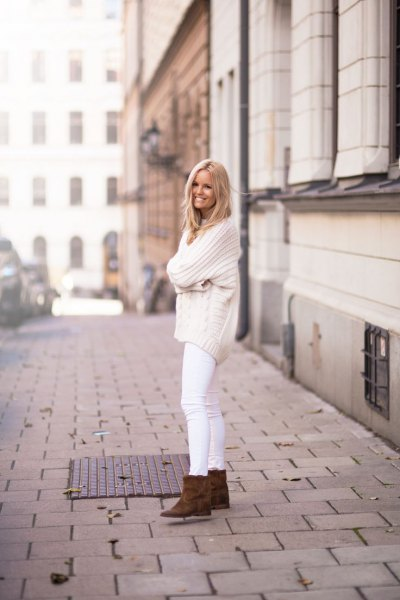 comfortable knitting pattern in whiter jeans
