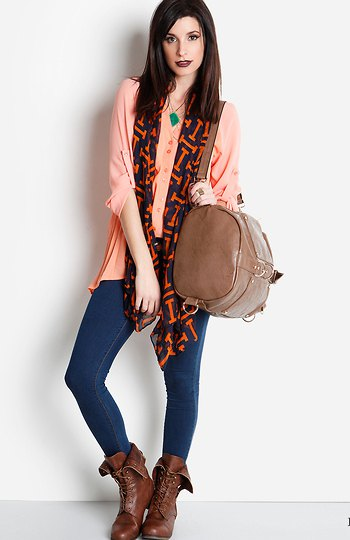 Crepe blouse skinny jeans fold brown leather over ankle boots