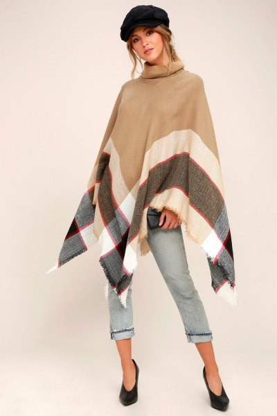 Crepe poncho cropped jeans flat hat