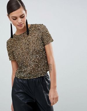 Crepe sequin t-shirt with black faux leather maxi skirt
