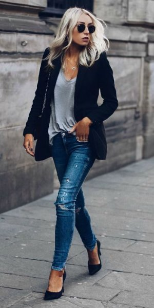 dark blue blazer with gray V-neck t-shirt and ripped jeans