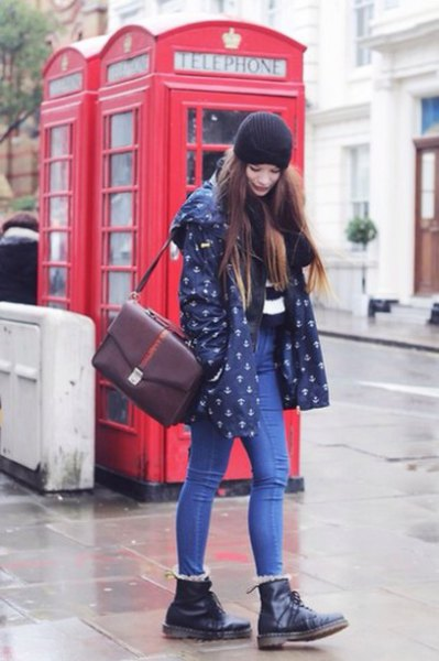 dark blue printed jacket with black leather boots