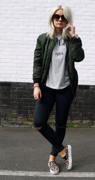 dark gray jacket with sweatshirt and black skinny jeans