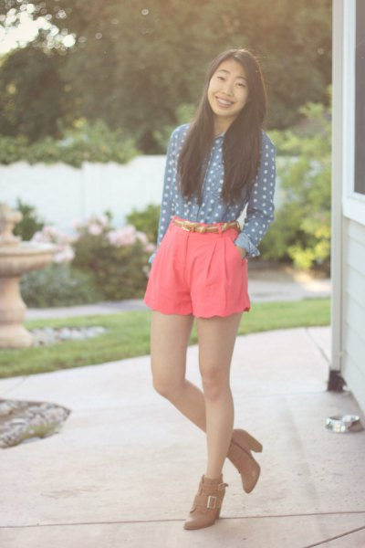 dark teal white polka dot shirt pink shorts