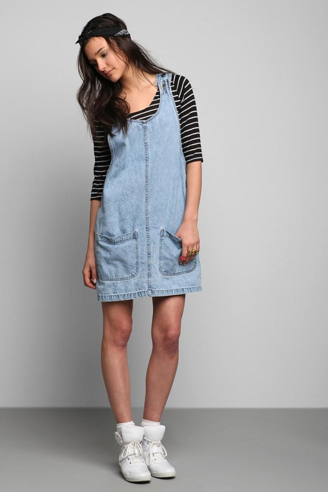 Denim skirt with two front pockets