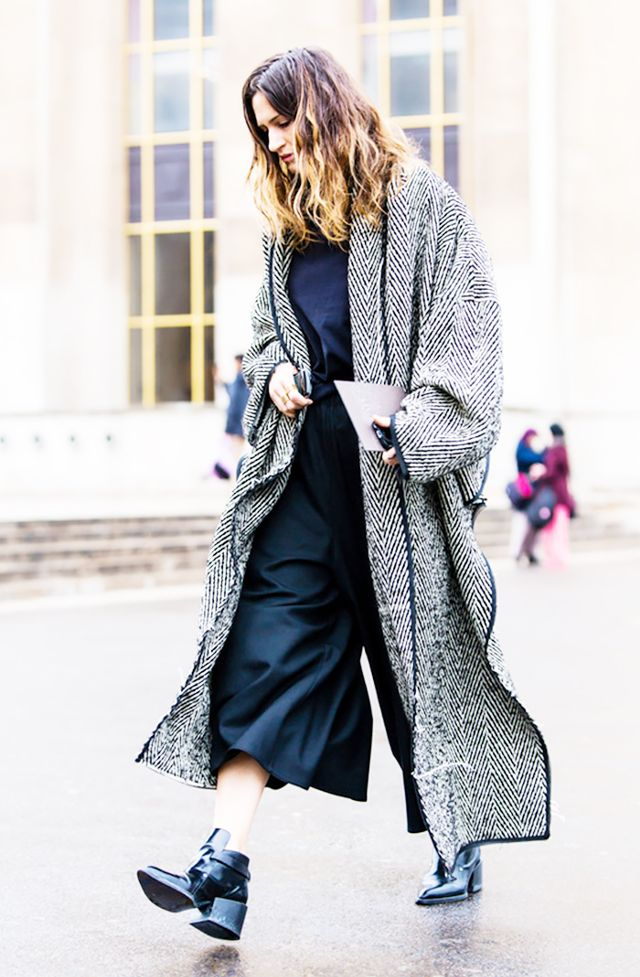 Feather duster jacket black and white
