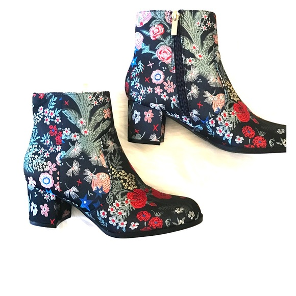 Unisa Shoes | Ungale Floral Embroidered Booties | Poshma