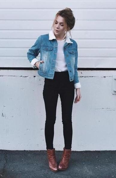 Denim jacket with a faux fur collar, white top and black skinny jeans