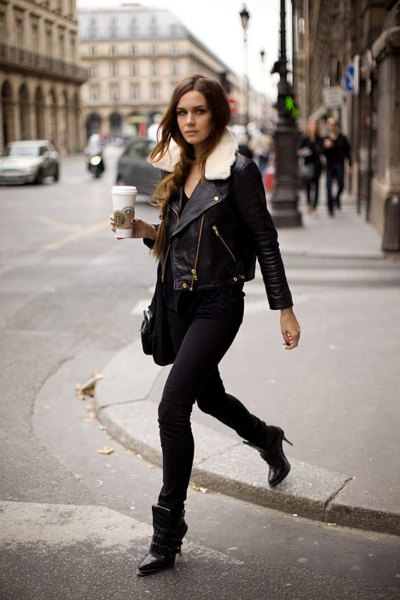 Leather jacket with a faux fur collar and black skinny jeans