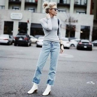 Figure-hugging gray knit sweater jeans outfit
