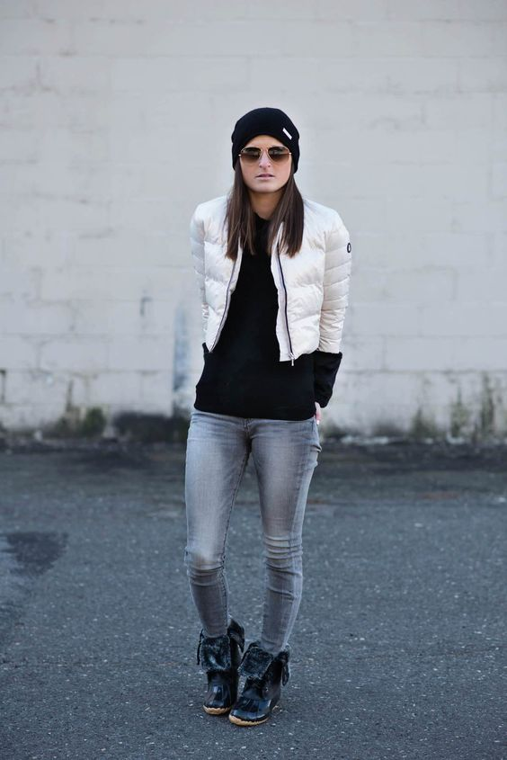 Fur-lined boots, short jeans