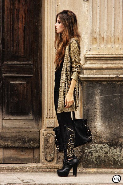 gold and black sequin longline cardigan with skinny jeans and boots with heel