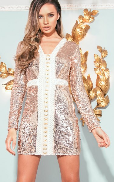 figure-hugging dress in gold and white