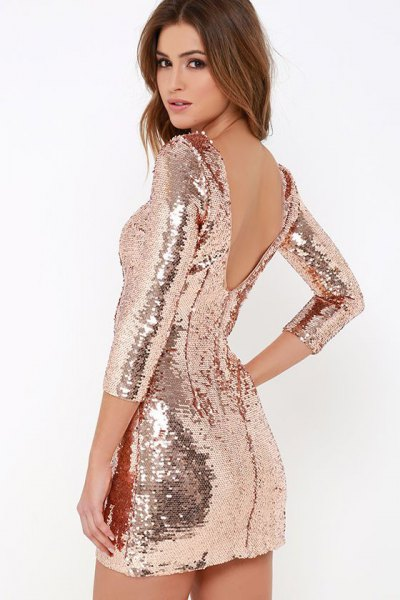 Bodycon dress with a gold sequin back