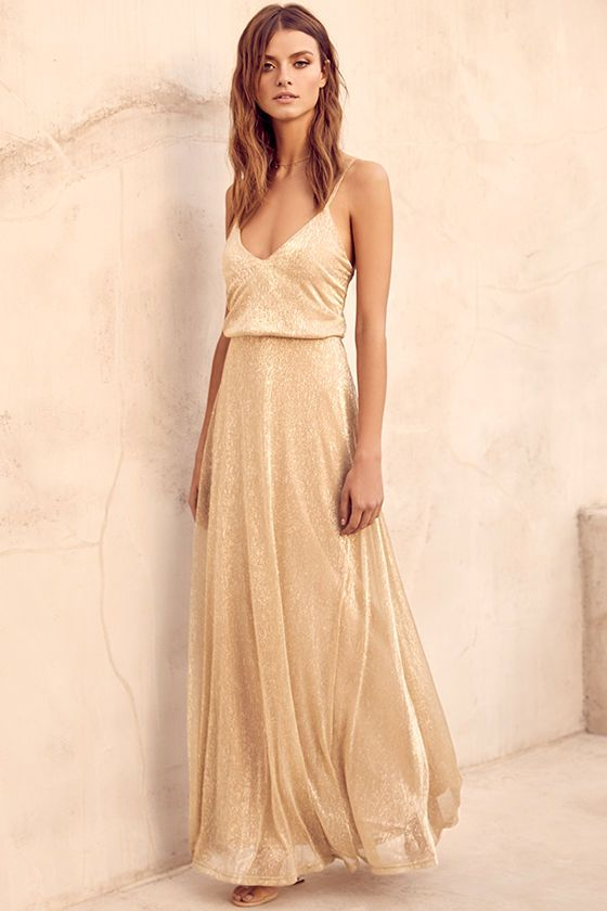Gold sparkling dress triangle