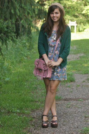 Sandals with a green cardigan flower skirt
