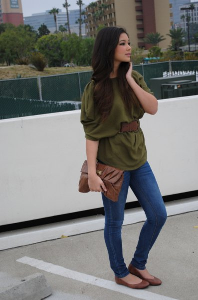 green half-sleeved blouse with blue skinny jeans and flats