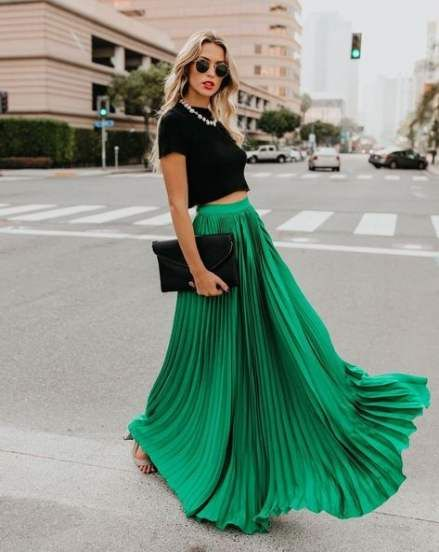Trendy Skirt Pleated Maxi Outfit Ideas | Green pleated skirt .