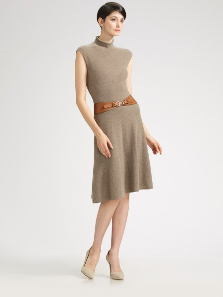 green, flared cashmere dress with belt and belt