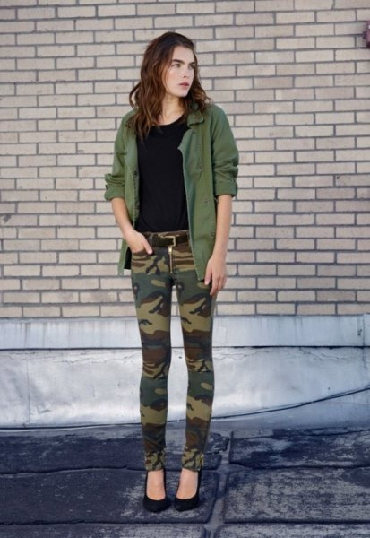 green parka jacket with camo jeans and black ballerinas