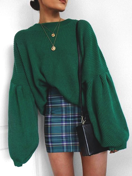 green-over-sized-sweater-green-plaid-skirt-outfit-idea-for-fall .