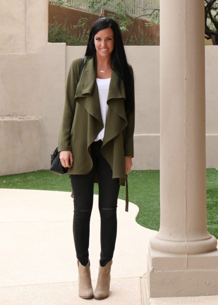 green waterfall chiffon cardigan with black skinny jeans and camel suede boots