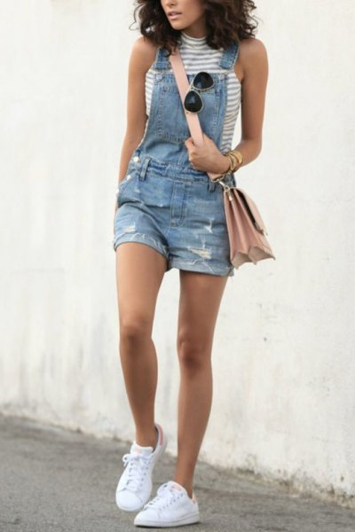 Sleeveless top denim shorts with gray and white stand-up collar