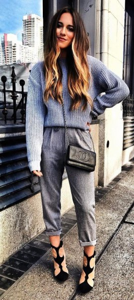 gray and white ribbed sweater with knitted trousers with cuffs