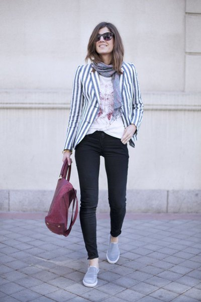 gray and white striped blazer with black skinny jeans and tennis shoes