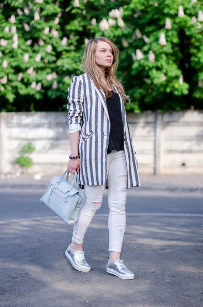 gray and white vertical striped longline blazer with skinny jeans