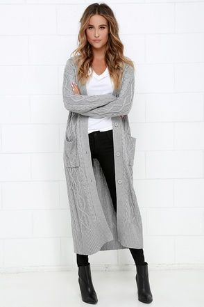 gray cardigan with cables and black skinny jeans