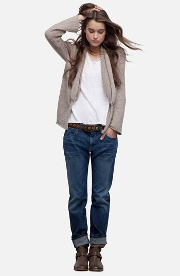 gray cardigan with white t-shirt and dark blue loose fit jeans